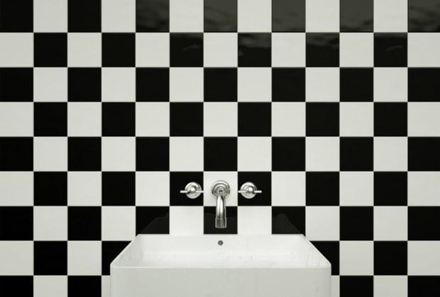 checkerboard tile pattern