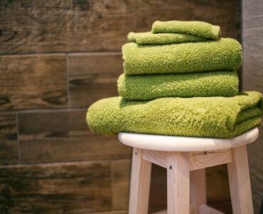 small bathroom towels
